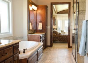 Master suite with soaker tub
